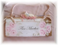 "Shabby Cottage ""Flea Market"" Bird Sign"