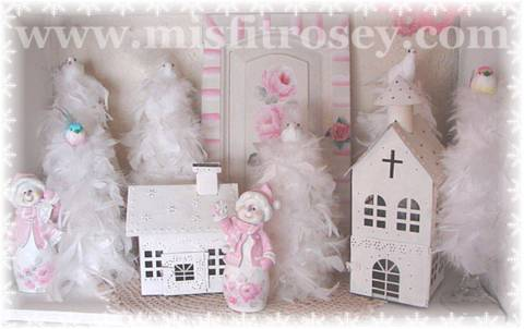 A  Romantic Shabby Rose Cottage Christmas!
